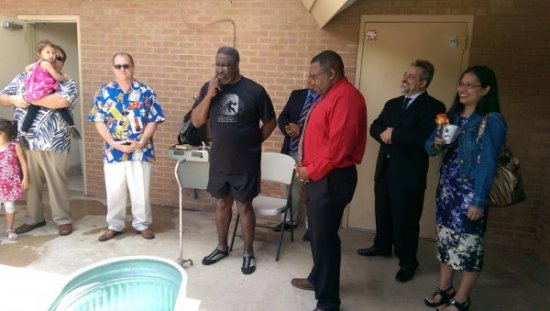 20160508_05-Larry makes sharing his testimony a joy for those who hear it!