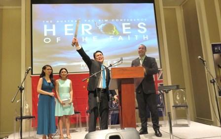 John Malnegro receives the Filipino Evangelist Sword!